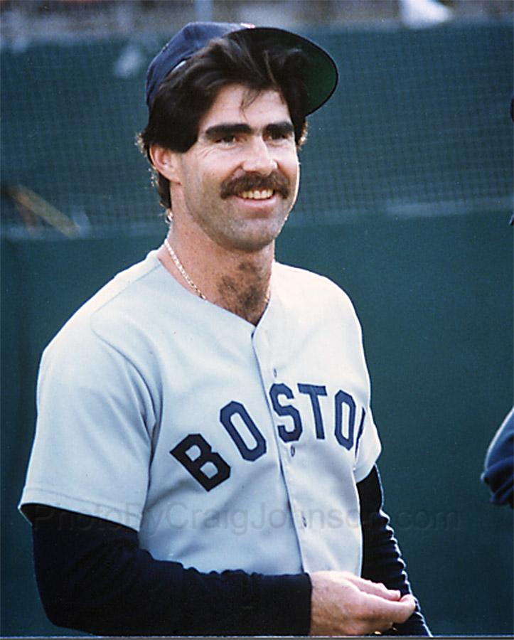 Bill_Buckner_of_the_Boston_Red_Sox
